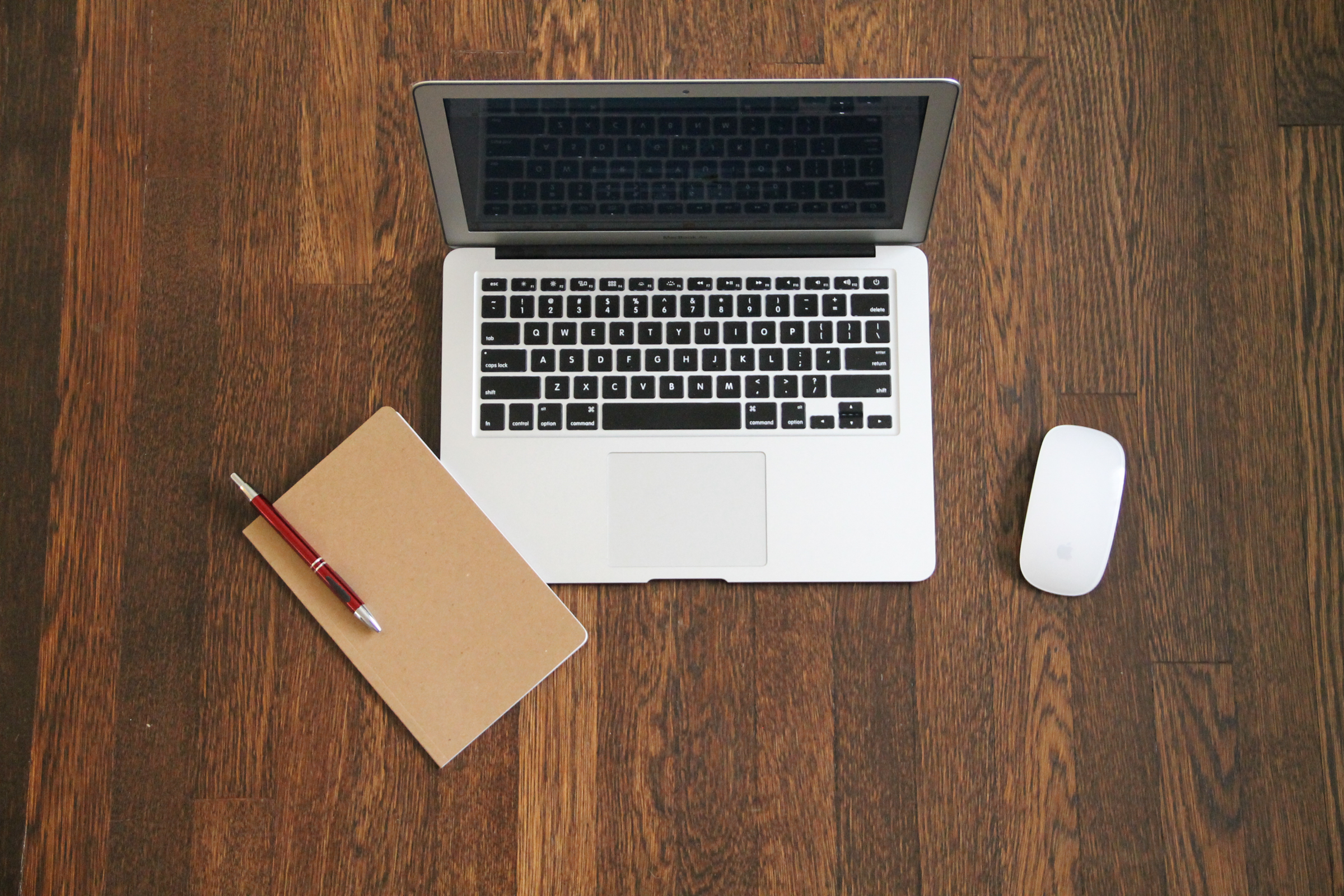 macbook-air-laptop-journal-mouse